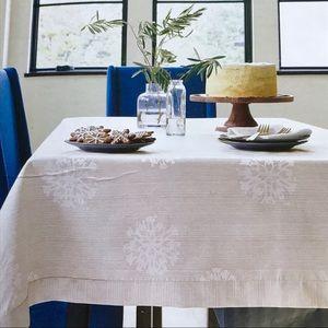 Threshold silver white snowflake tablecloth 60x120